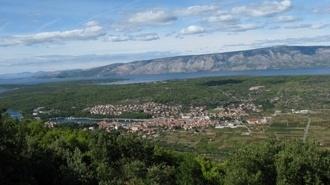 Stari Grad 330 1