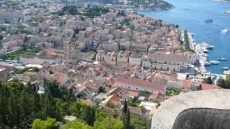 Stari Grad 330 3