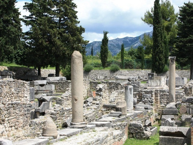Visit to the archaeological escavations, town of Solin 640 3