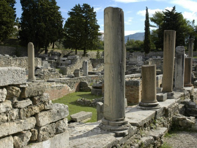 Visit to the archaeological escavations, town of Solin 640 6